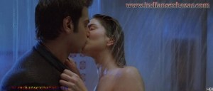 Sunny Leone topless Kissing shower scene Ragini MMS 2 sunny sex photos 3