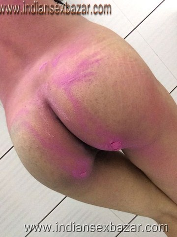 होली के नंगे फोटो Holi Sex your dick area and my pussy holi color