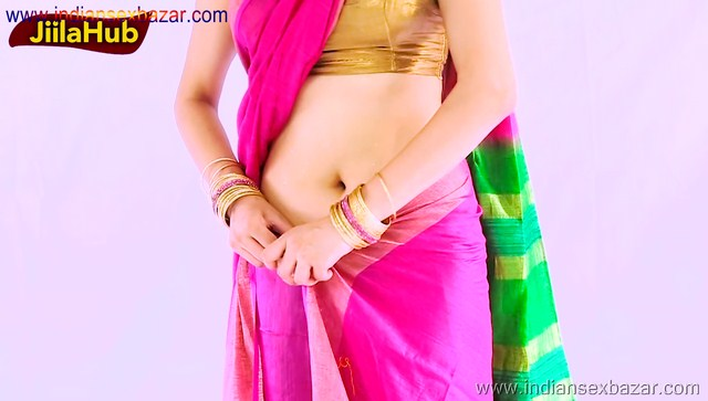Indian Bhabhi Amazing Saree Removing Sexy Navel curves and back Full HD Porn XXX Photos Indian HD Porn00019