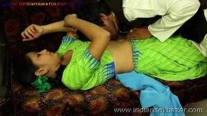 हरामी साहूकार उधार के बदले बीवी का जिस्म नोचते हुए नग्न फोटो indian porn pic बलात्कार के फोटो (6)