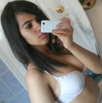 Nude Selfie of Indian Busty Boobs College Girls Hot photos Pictures XXX Girls Selfie pic download watch online (11)