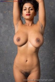 मोटे मोटे बूब्स वाली भाभी अपने मस्त इस्तानो को बोबो को दिखाते हुए नंगी Big Boobs Nude Photo Girls Nude Boobs (31)