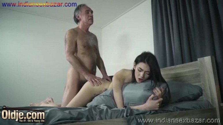 Old And Horny Young Girl Seduces Grandpa And Fucks Full HD Porn Movie HD Porn Video New Full HD Porn XXX Nude Pic (8)