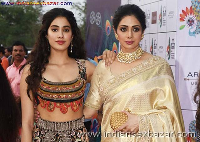 श्रीदेवी और जहान्वी कपूर लेस्बियन सेक्स नंगी वीडियो Bollywood Actress Sridevi And Jahnivi Kapoor Lesbian Sex Naked Video Download (11)