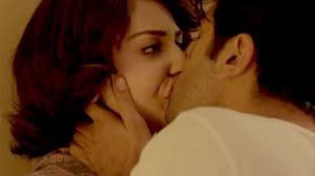 Anushka Sharma Hot Lip Lock Kissing Scene Indian Porn Video