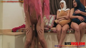Naked Muslim Babes In Hijab Taking BBC Before The Marriage Full HD Fucking XXX Porn Photo Gallery (2)