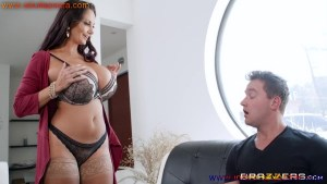 Pornstar Ava Addams Seduces The Panties Thief Full HD Porn And Images XXX Photo Gallery (11)