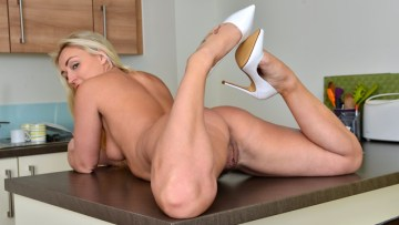 Amber Deen Nude In Kitchen Free Hd Porn Video Just For You