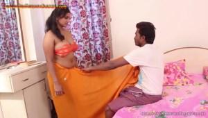 इंडियन कॉलेज गर्ल की चुदाई पैसो के लालच में इंडियन कॉलेज गर्ल रंडी बन गयी सेक्स फोटो गैलेरी (1)
