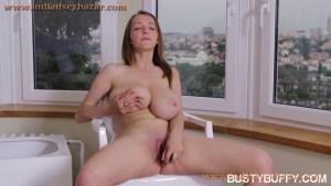 विशाल तंग रसदार स्तन Huge Big Milky And Juicy Boobs Of Busty Buffy XXX Photo Gallery (5)