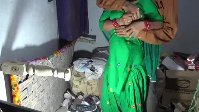 ग्राहक ने घोड़ी बनाकर सेठानी की गांड मारी चूड़ियों के गोदाम में इंडियन हिन्दी पोर्न विडियो 1