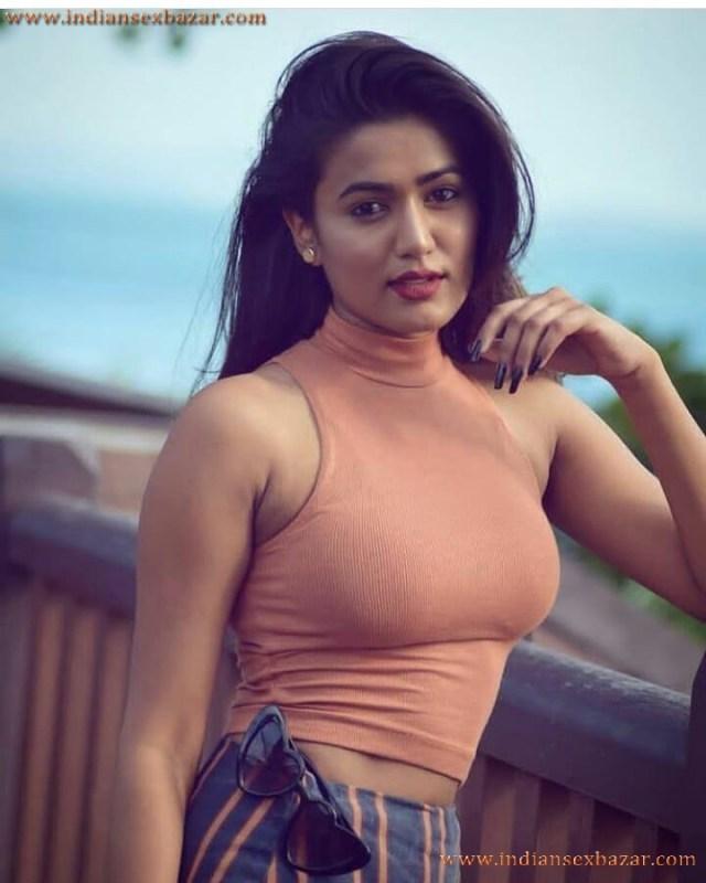 Hot And Sexy Pics Of Indian Tik Tok Girl Garima Chaurasia Nice Big Boobs And Big Ass 9