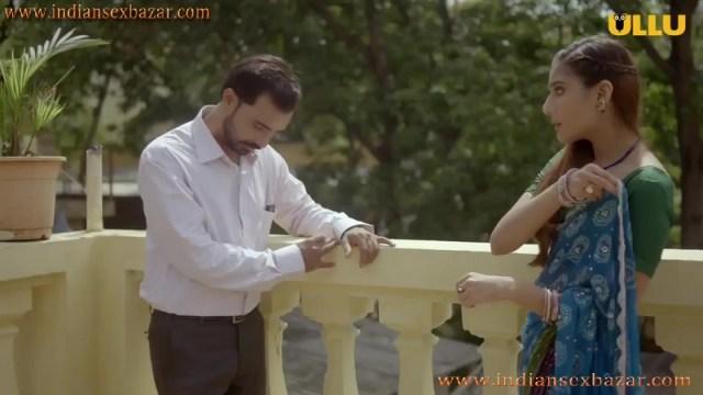 Khul Ja Sim Sim मंगेतर मोबाइल में पोर्न फिल्म देख चूत में ऊँगली करते हुए इंडियन हिन्दी पोर्न फिल्म 2