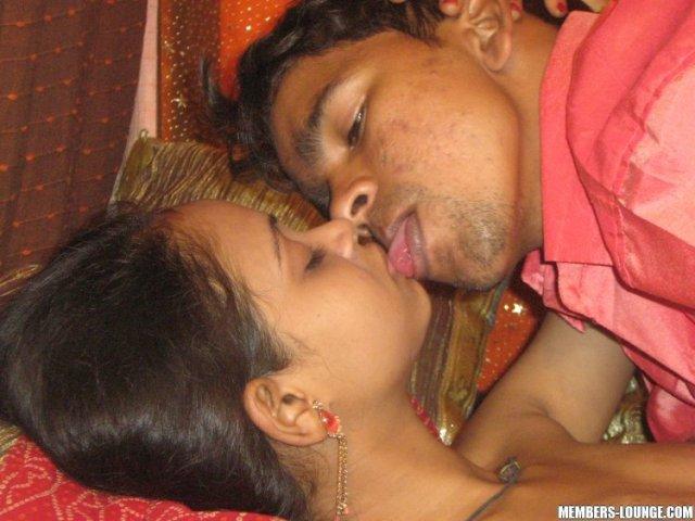 Kissing Pic Brother And Sister Hindi Sex Story चचेरी बहन की टाइट चूत ने मेरे लंड का स्वाद चखा Antarvasna Hindi Sex Stories
