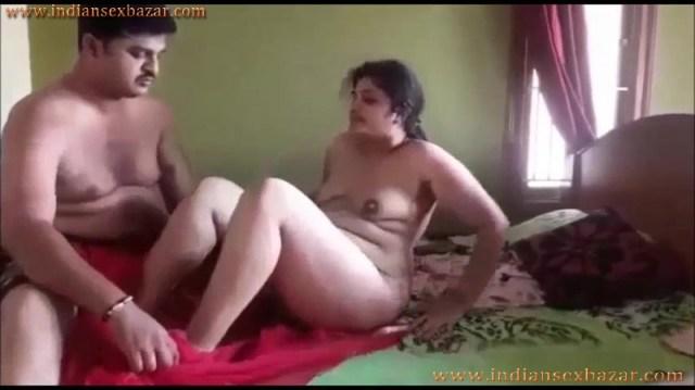 छोटी बहन के पति के साथ नाजायज़ सेक्स सम्बन्ध Indian Porn Video In Hindi 12
