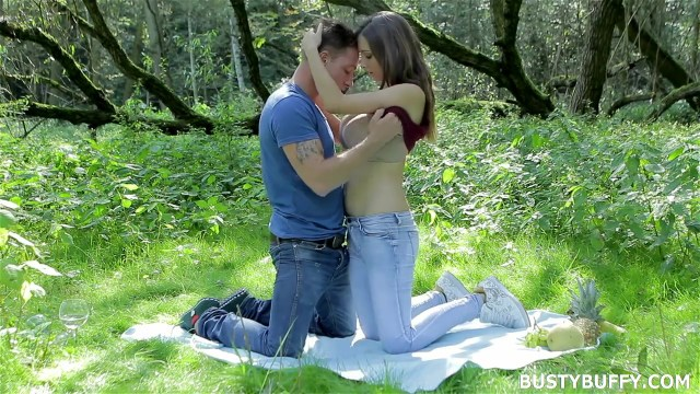 Busty Buffy Feeding Huge Breast To Boyfriend Outdoor Full HD Porn Video And Pic Gallery 3