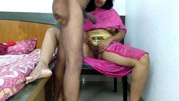 दोस्तों से माँ की चुदाई करवाने का प्लान फेल हो गया New Hindi Sex Story 2