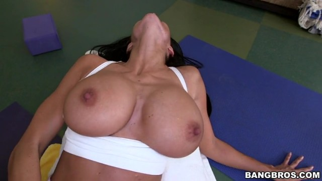 Yoga Instructor Ava Addams Fucked By Student Full HD Porn Video And XXX Pictures 12
