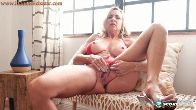 Bikini Show By 50 Year Old Mature Milf Kenzi Foxx Full HD XXX Porn Video And Pic Gallery 18