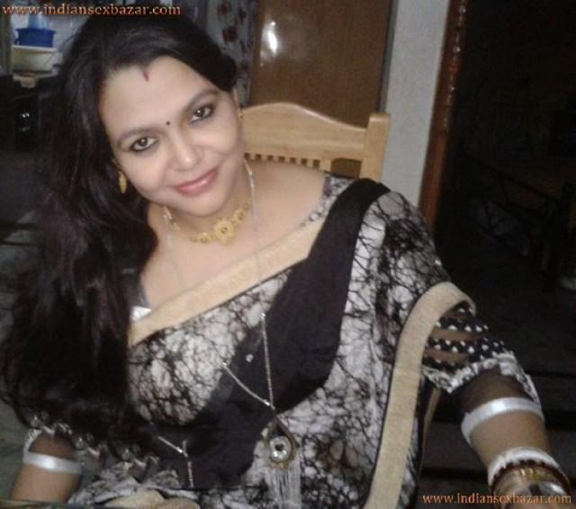 तलाक के बाद नौकर मेरी माँ की चूत चुदाई करने लगा हिन्दी सेक्स कहानी 4