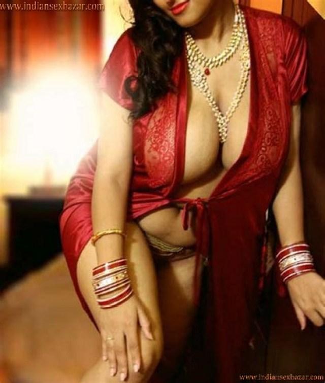 मेक्सी में सेक्सी फोटो ठरकी ससुर ने बहु की दबाकर चुदाई करी पीरियड के दौरान Hindi Sex Story