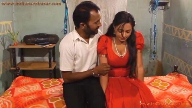 शादी का झांसा देकर गाँव की लड़की को कई बार पेला Hindi B Grade Porn Video And XXX Pictures 4