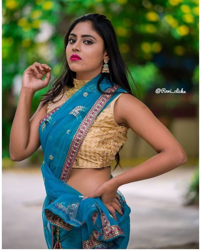Sexy and Hot Indian Girl In Blue Color Cotton Saree and Cut Sleeves Blouses or Sleeveless Blouse (1)