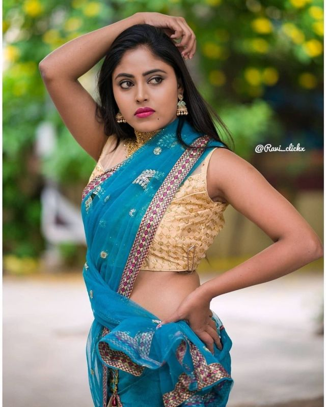 Sexy and Hot Indian Girl In Blue Color Cotton Saree and Cut Sleeves Blouses or Sleeveless Blouse (2)