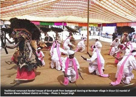 gond-dance-hindu_29-10-16