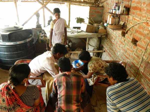 sanyasi_potteryworkshop_135web