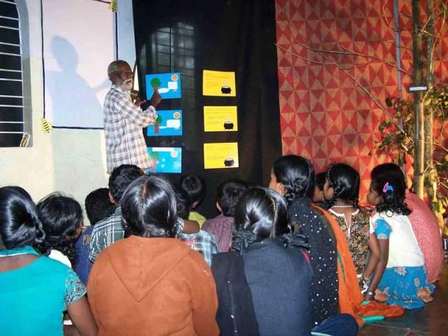 gudalur_honey_festival09_learning_bee_story_web