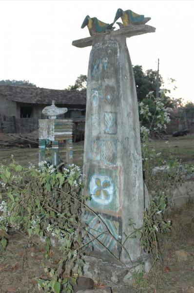 20_grave_monument5
