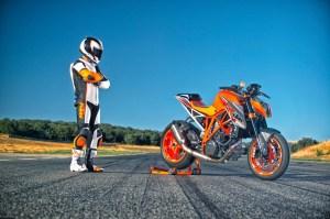 2014-KTM-1290-Super-Duke-R-07