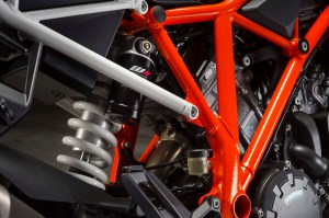 2014-KTM-1290-Super-Duke-R-chassis-07