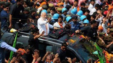Photo of Amazing! Narendra Modi stopped convoy to take shawl from A Muslim and Then ..