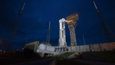 Photo of NASA Moves Astronauts Assigned to Boeing Starliner to SpaceX Dragon