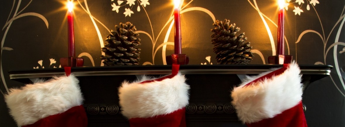 India Rose Strings play for Christmas parties - Xmas stockings and candles