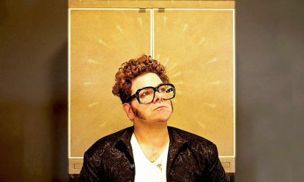 """Rock n' Roller Greg Hoy celebrates his beloved daughter in brand new track """"Here Comes The Light"""""""