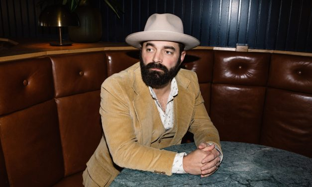"""Tennessee native Drew Holcomb & the Neighbors drop new single """"Family"""""""
