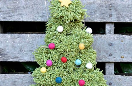 DIY Pom Pom Christmas Tree Wall hanging