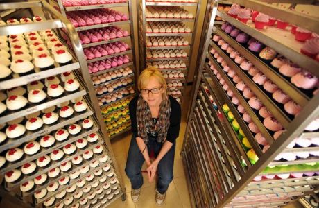 The graduate who went from indulging a hobby to selling her bath bombs to Harrods