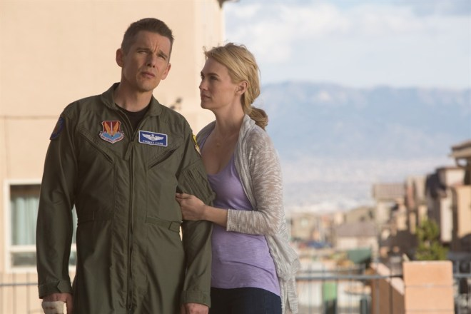 January Jones (Molly Egan) and Ethan Hawke (Tom Egan) in Andrew Niccol's GOOD KILL. Courtesy of Lorey Sebastian. (C) 2014 Clear Skies Nevada LLC. An IFC Films release.