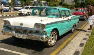 Cuba 2x3green car P1060415