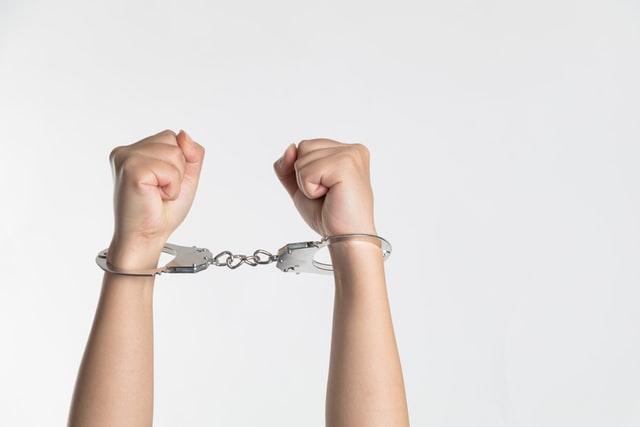 Membuat konten plagiat bisa dipenjara? (Photo by niu niu on Unsplash)