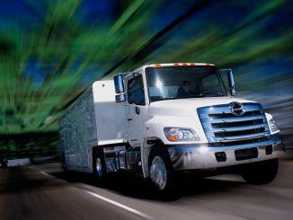 Hino comienza la construcción de camiones clase 7