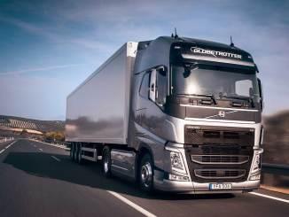 Camión Volvo en carreteras de Europa