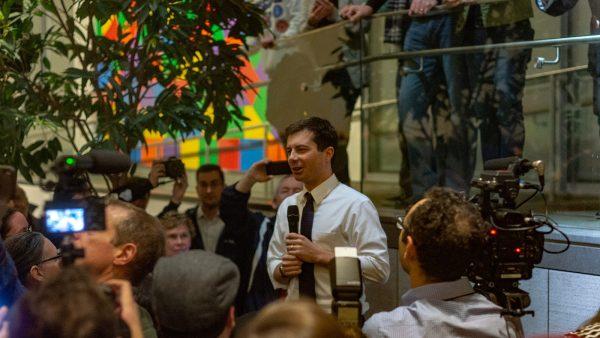 Pete Buttigieg trekt dezelfde soorten menigten die Barack Obama tijdens zijn eerste presidentiële loop deed