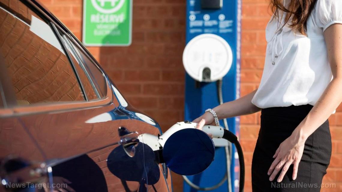 RAPPORT Elektrische voertuigen worden in slechts 7 jaar duurder dan benzineslurpende tegenhangers
