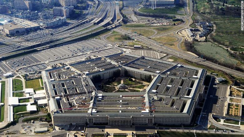 Militaire leiders waarschuwen Trump en zijn Pentagon-cabal