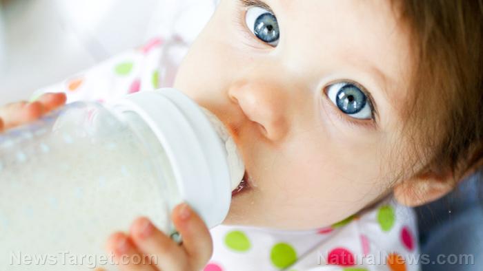 Nestle riep op tot valse gezondheidsclaims en misleidende marketing van zijn zuigelingenvoeding